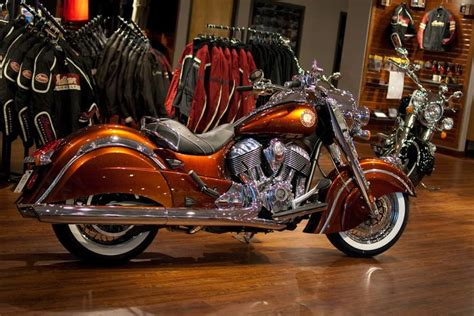 2014-indian-chief-classic-cocoa-gold-stardust-custom-paint