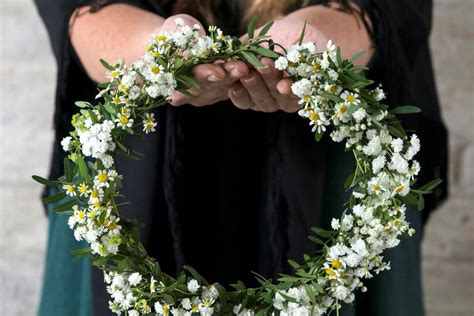 Līgo svētku vainaga pīšana un tradīcijas - Articles ...