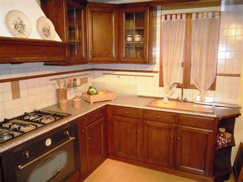 Cucine In Noce by Cucina Torchio Noce Cucine A Prezzi Scontati