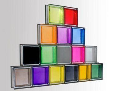utiliza ladrillos de vidrio  ganar luminosidad