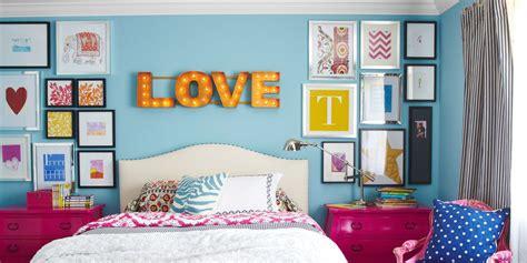 childrens bedroom colors 11 best kids room paint colors children s bedroom paint 11094 | 54c16ccc65ca0 04 hbx gallery wall kids room 1213 de.jpg?crop=1.00xw:0.334xh;0,0