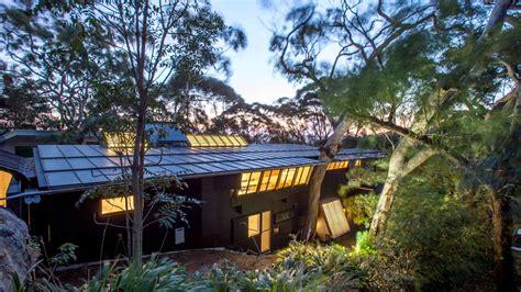 pritzker winner designed modern house hits  market  sydney curbed
