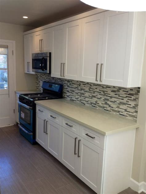 white shaker cabinets with quartz countertops white shaker maple cabinets with quartz countertop and