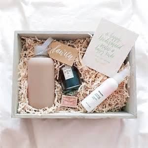 bridesmaid gift ideas 25 best ideas about bridesmaid gift boxes on brides gifts wedding bridesmaids