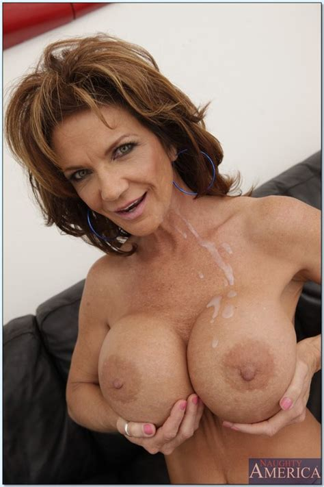 Filthy Mature Woman Deauxma Hammered By Hercules Milf Fox