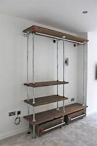 Kleiderschrank Industrial Design : belle reclaimed scaffolding board and galvanised steel pipe industrial open wardrobe dressing ~ Markanthonyermac.com Haus und Dekorationen