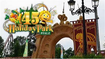 Holiday Park Parkerlebnis Jubilaeum Comeback Maskottchen Holly