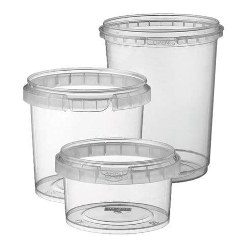 pot plastique alimentaire avec couvercle table de cuisine