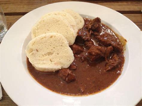 cuisine jarret de porc cuisine tchèque spécialités culinaires à ne pas manquer