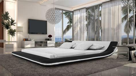 lit en cuir lit cuir design tendance pilow avec luminaire et diverses couleurs mobilier moss