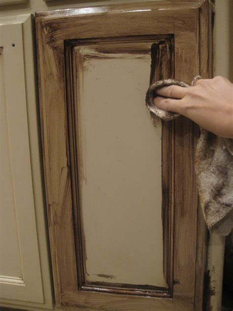 how to glaze oak cabinets refinishing oak cabinets with glaze roselawnlutheran