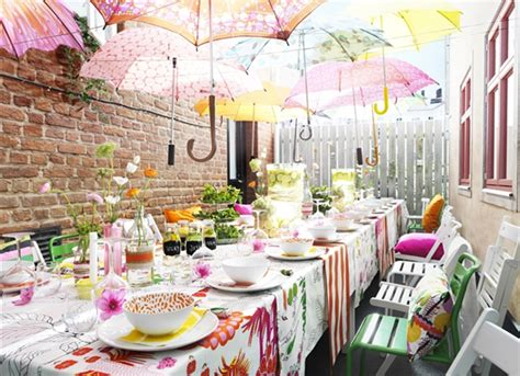 Home Interiors Party Catalog: Summer Garden Party With Umbrella Decorations