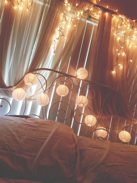 Icicle Lights In Bedroom by 25 Best Ideas About Icicle Lights Bedroom On