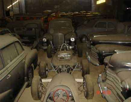 Antique Cars Found In Barn by Photos Of Car Collection Found In Portugal Barn