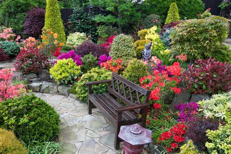 ten great flower gardens to visit now beautifulnow is