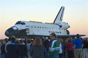NASA - Atlantis Transported To Kennedy Visitor Complex
