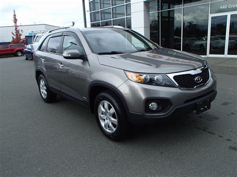 Used Kia Sorento 2011 by 2011 Kia Sorento Lx 14 998 Courtenay Rice Toyota