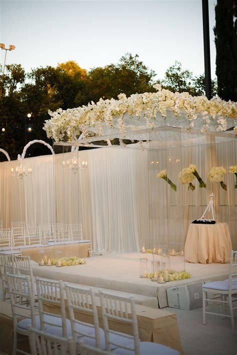 Diamond Themed Wedding Decorations