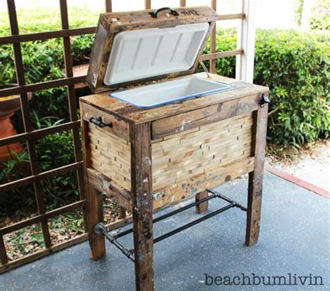 rustic cooler box from recycled pallets beachbumlivin