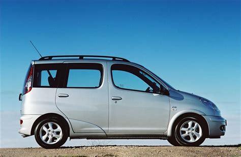 Toyota Yaris Verso 2000 - Car Review