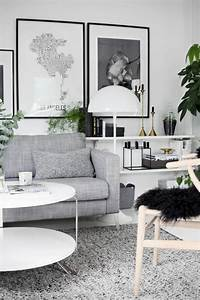 Bilder Skandinavischer Stil : skandinavischer stil graues sofa grauer teppich wei er ~ Lizthompson.info Haus und Dekorationen