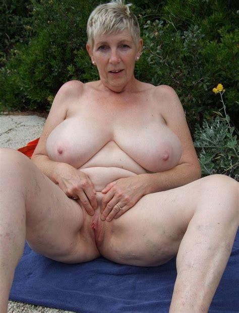 Chubby Sex Mom Image 38395