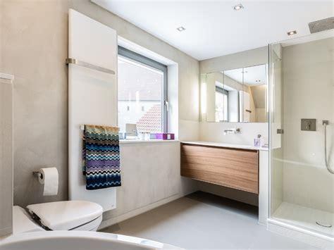 Kleines Badezimmer Einrichten Ideen by Schmales Badezimmer Einrichten Rubengonzalez Club