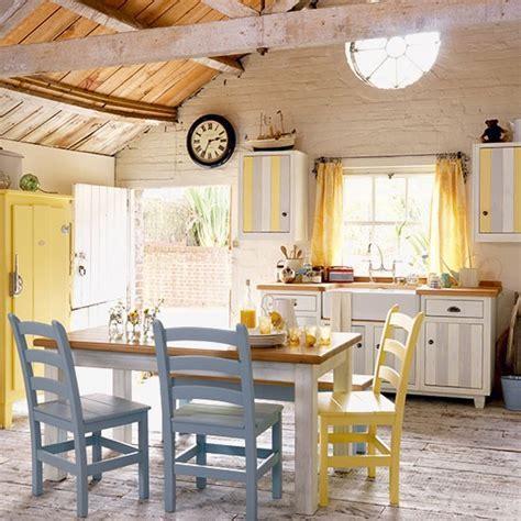 Country farmhouse kitchen   Freestanding kitchen ideas