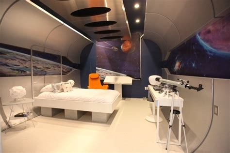 10 out of this rooms any sci fi fan would