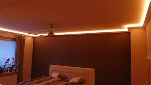 Schlafzimmer Indirekte Beleuchtung : indirekte deckenbeleuchtung mit led stuckleisten und lichtvouten ~ Orissabook.com Haus und Dekorationen
