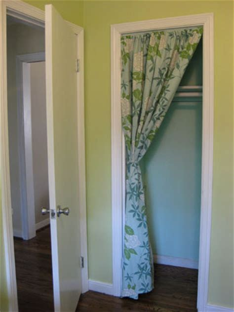 this is how it goes using curtains for closet doors