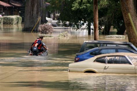 Wasserschaden Parkett Haftpflicht by Wasserschaden Am Auto 187 Wer Zahlt Wann