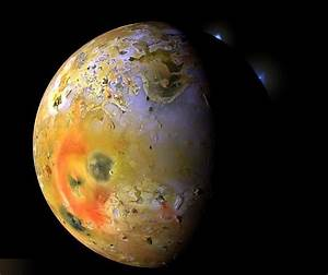 wordlessTech | Jupiter's moon Io from Voyager 1 Space Probe