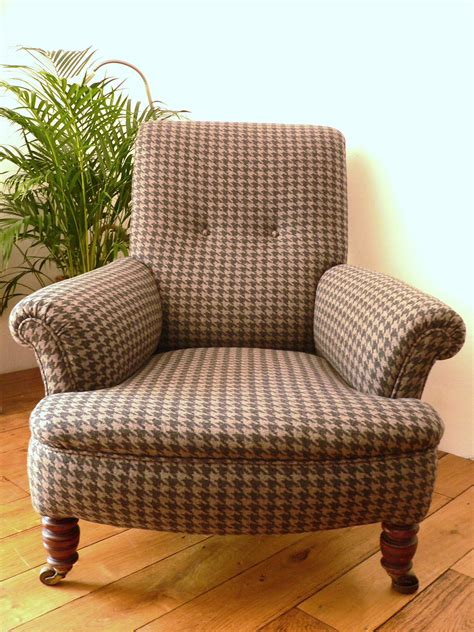 Antique Upholstered Armchair  Pea {style}