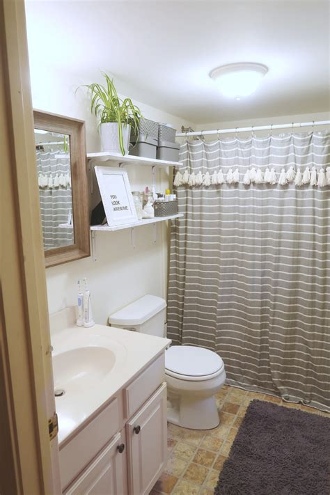 bathroom ideas decor how to decorate a rental bathroom 65 bathroom makeover