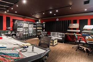 Tommy Lee Lists Zen-Punk Mansion in Calabasas at $6 ...