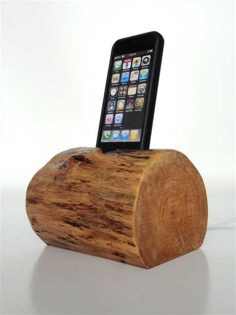 wooden iphone station wood iphone station amazing gadgets and gizmos