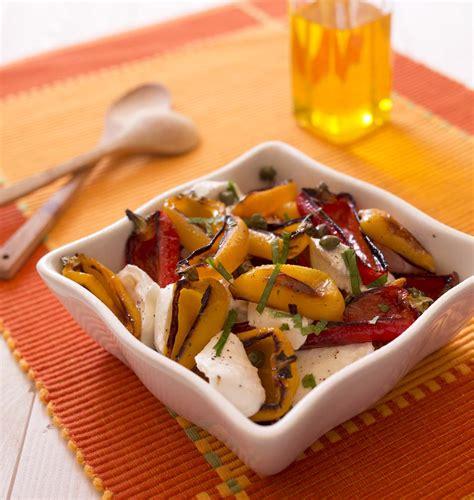 cuisine poivron poivrons grillés et mozzarella en salade les meilleures