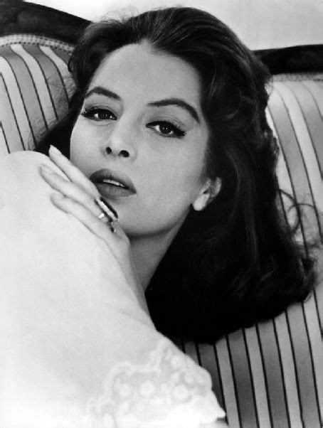 canap usine 1000 images about capucine on slim aarons