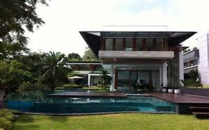 spectacular modern bungalow designs modern tropical bungalow dalvey road house by guz architects