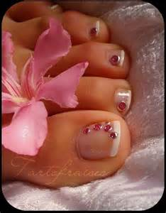 Lamste famail toe nail art designs for christmas