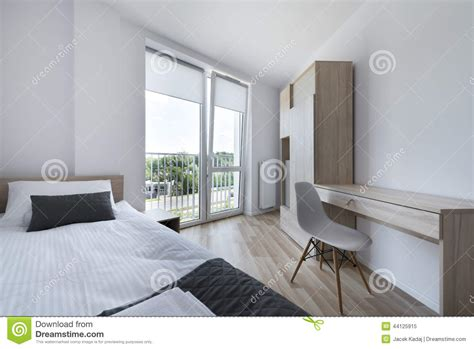 le chambre à coucher chambre à coucher propre et moderne dans le style