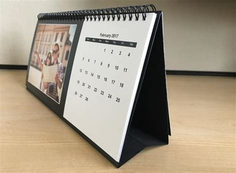 make a desk calendar with pictures create desk photo calendars online createphotocalendars com