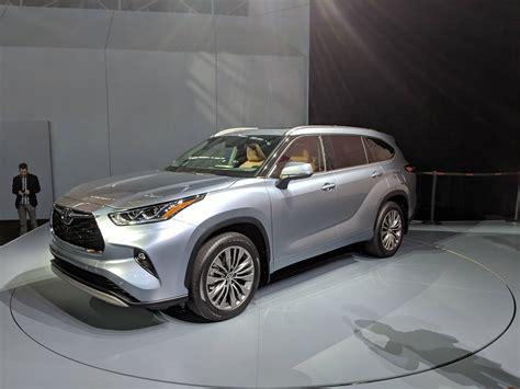 Toyota Highlander Hybrid 2020 by 2020 Toyota Highlander Vs 2019 Honda Pilot Spec Comparison