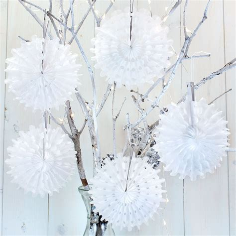 white mini honeycomb snowflake decorations pipii