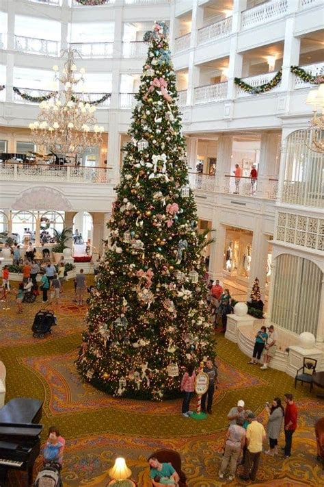 grand floridian christmas tree check out these disney resorts at disney