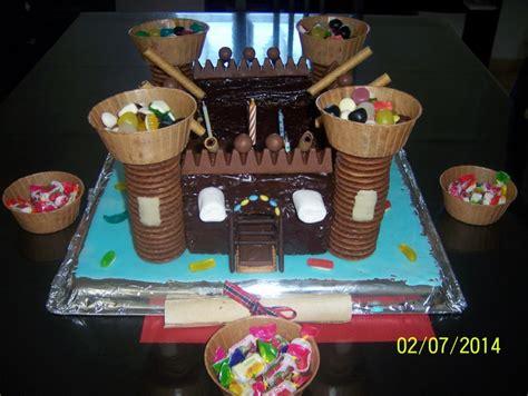 gâteau en forme de château fort dans ma cuisine
