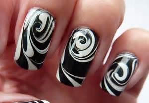 Water marble for short nails black white swirl nail art