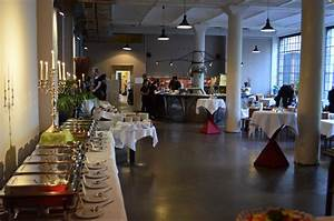 Bar Mit Tanzfläche Berlin : eventlocation mit industrie loft charakter fabrik flair partyraum berlin ~ Markanthonyermac.com Haus und Dekorationen