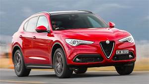 Alfa Romeo Stelvio Versions : 2018 alfa romeo stelvio au wallpapers and hd images car pixel ~ Medecine-chirurgie-esthetiques.com Avis de Voitures